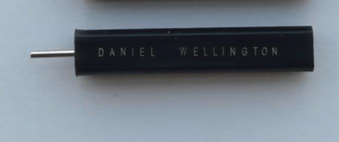 thanh chọc chốt đồng hồ daniel wellington mới