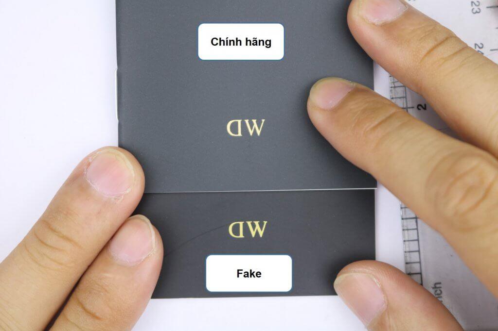 trang bìa sổ hướng dẫn đồng hồ daniel wellington chính hãng và fake (hình 3)