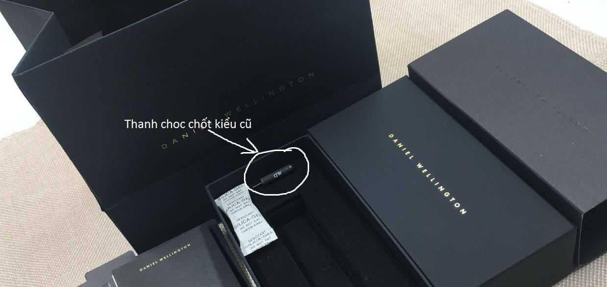 bộ hộp mới đồng hồ dw đi với thanh chọc chôt kiểu cũ